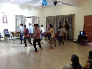 Madhampatty School Boys'Oyilattam