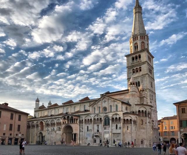 La Cattedrale e la Ghirlandina sono assolutamente da visitare a Modena