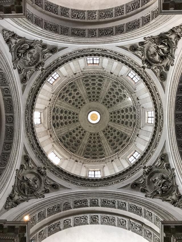 Cosa visitare a Brescia? Il Duomo Nuovo con la sua cupola altissima
