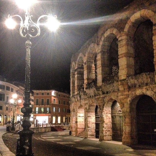 Cosa vedere a Verona? Al 2° posto di sicuro la celebre Arena, il monumento più fotografato della città