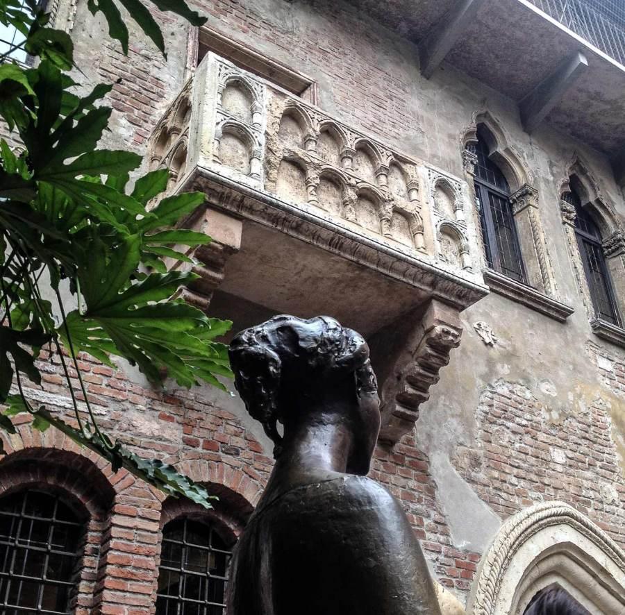 Cosa vedere a Verona? Ecco le 10 attrazioni che non puoi perderti, a cominciare dalla Casa di Giulietta