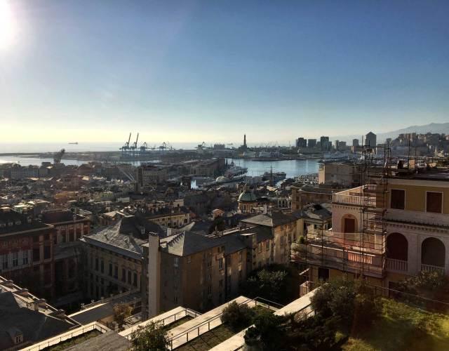 Il panorama più bello di Genova? Certamente quello dalla Spianata Castelletto, nel cuore della città
