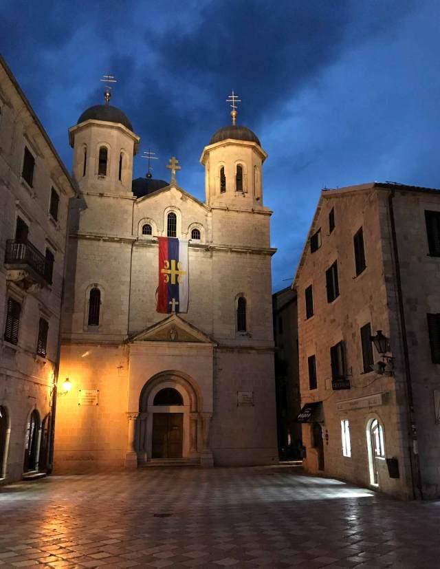 Cosa vedere a Kotor? La bellissima Piazza San Luca, cuore ortodosso della città