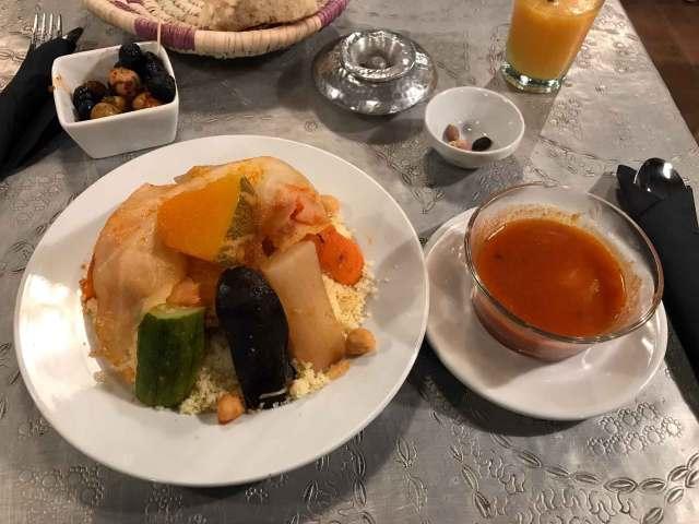 Il cous cous è una delle specialità del Marocco. Io l'ho mangiato a Marrakech