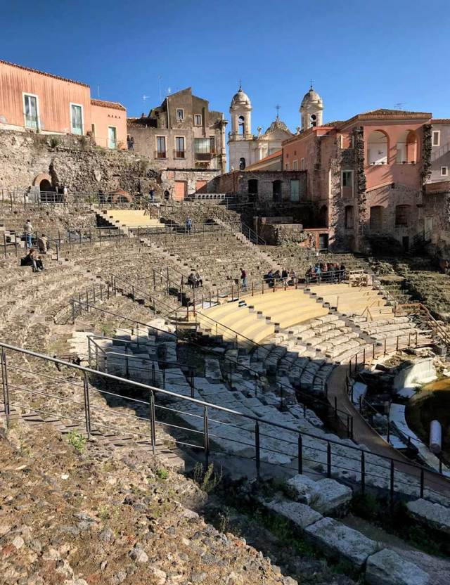 Cosa visitare a Catania? Di certo il Teatro Romano