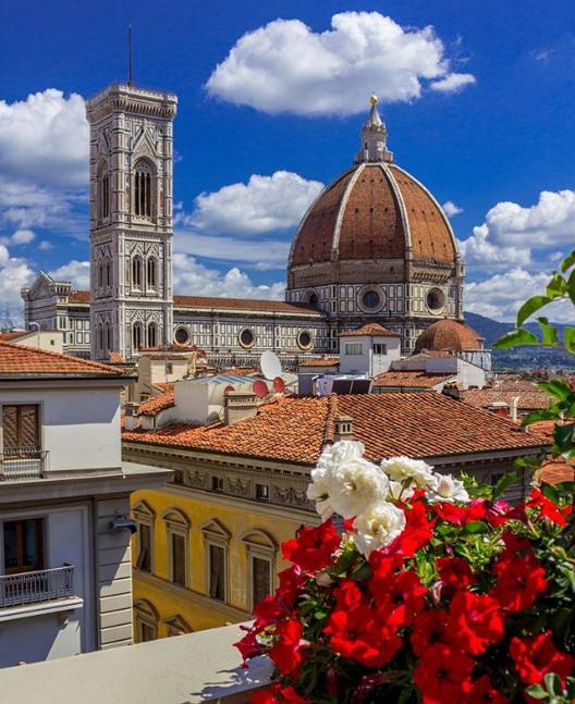 Un panorama fantastico sulla Cattedrale di Firenze? Lo trovi dalla Terrazza della Rinascente