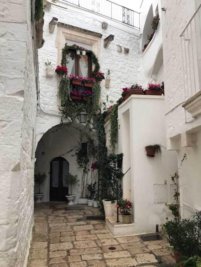 Il borgo di Cisternino in Puglia è un borgo assolutamente da visitare