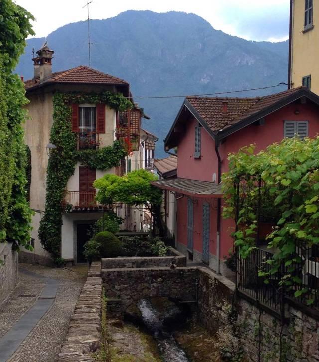 Tremezzina si trova nel punto più bello del Lago di Como, pieno di paesi splendidi come Lenno