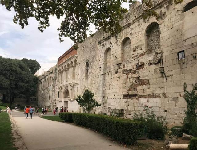 La Porta Aurea è l'ingresso principale dell'antico Palazzo di Diocleziano a Spalato