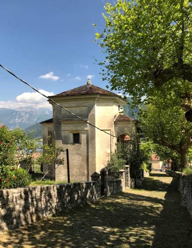 Il Sacro Monte di Ossuccio è una delle attrazioni del Lago di Como ed è Patrimonio Unesco
