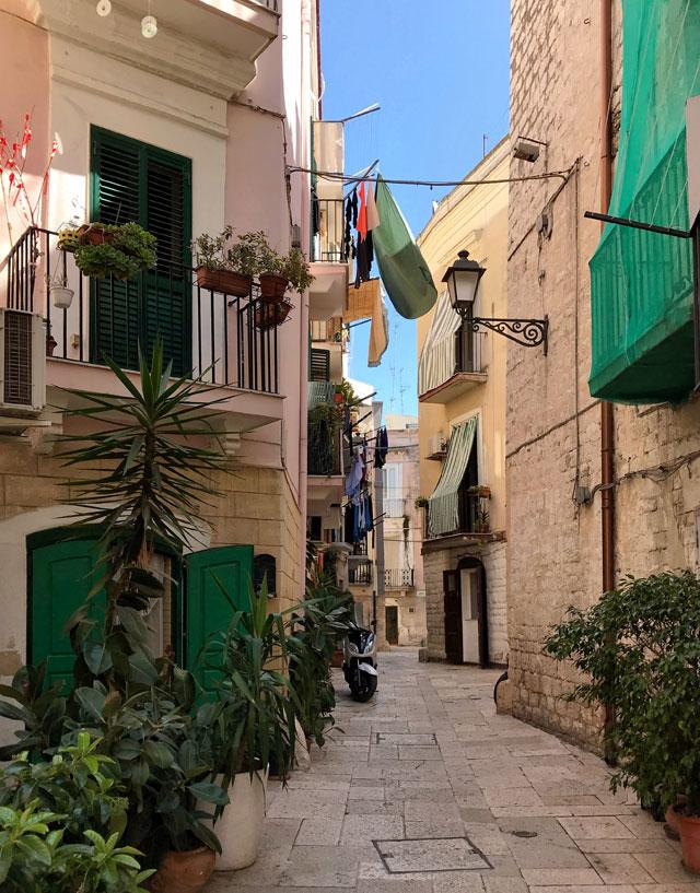 Bari Vecchia è l'anima della città: ha un fascino pittoresco e fuori dal tempo.