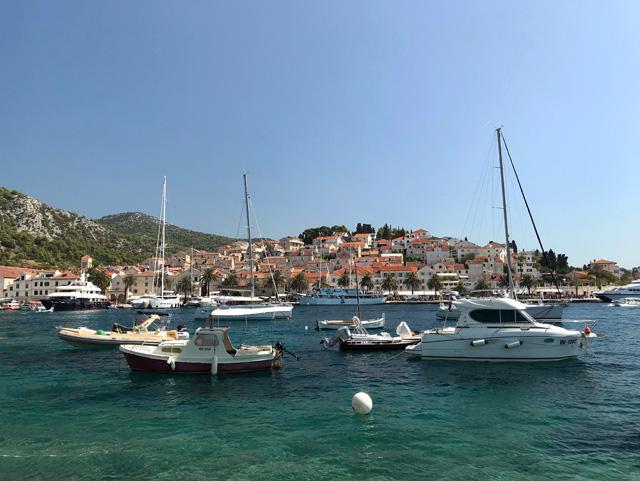 Cosa vedere in Croazia? L'isola di Hvar e i suoi colori meravigliosi