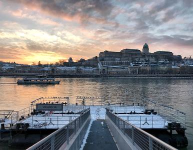 Il Danubio è il fiume che divide in due Budapest e regala fantastiche viste
