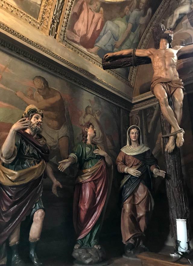 La Chiesa della Madonna delle Lacrime è da vedere visitando Dongo