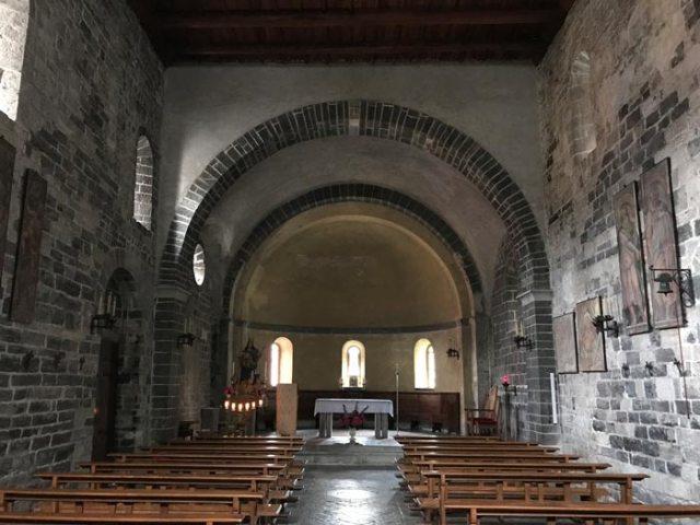 La chiesa di Santa Maria in Martinico in stile romanico è tra le cose da vedere a Dongo