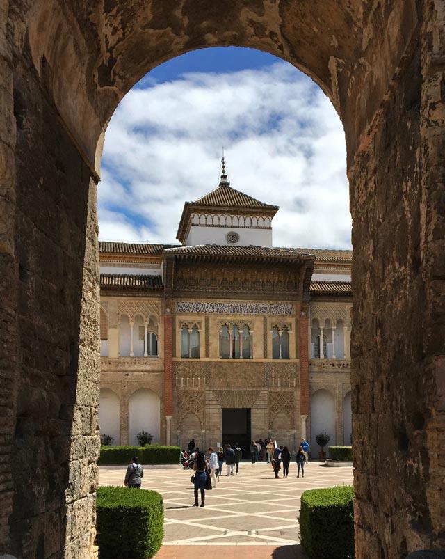 Il Real Alcazar e la Cattedrale sono le due meraviglie da visitare a Siviglia