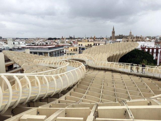 Las Setas de Sevilla è una delle cose da vedere a Siviglia: fantastico il panorama da lassù