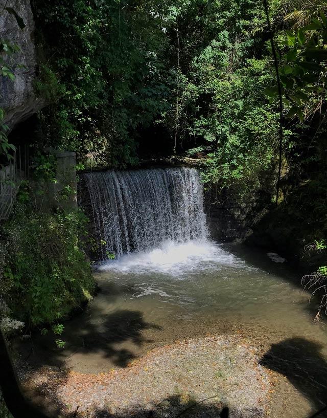 Il fiume Senagra attraversa Menaggio e crea alcune belle cascate nella parte alta del paese