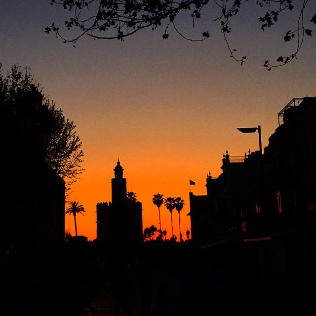 Il fascino di Siviglia è straordinario e incanta inevitabilmente ogni turista
