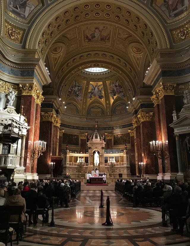 La basilica di Santo Stefano è una delle cose da vedere a Budapest