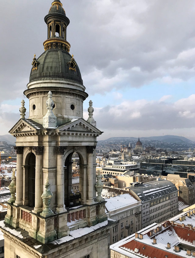 La cupola della Basilica di Santo Stefano regala la miglior vista di Budapest dall'alto