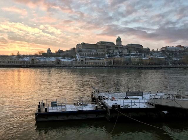 Budapest regala meravigliosi tramonti sul Danubio e sul Palazzo Reale