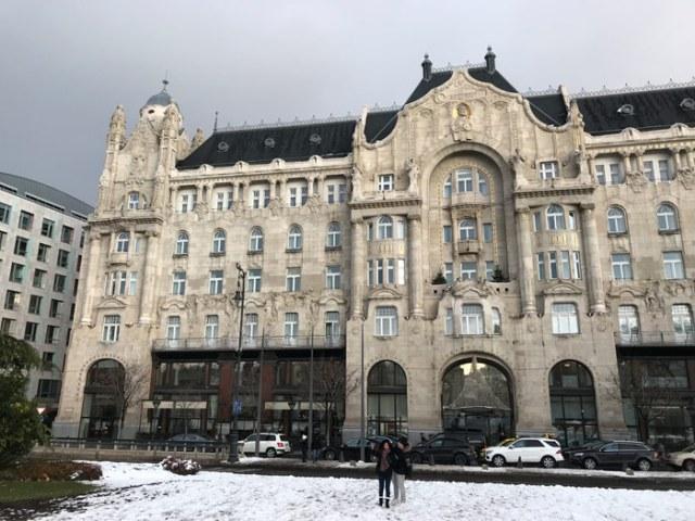 Palazzo Gresham a Budapest è un capolavoro dello stile secessionista ungherese