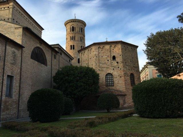 Una delle cose da vedere a Ravenna è il Battistero degli Ortodossi (o Battistero Neoniano)