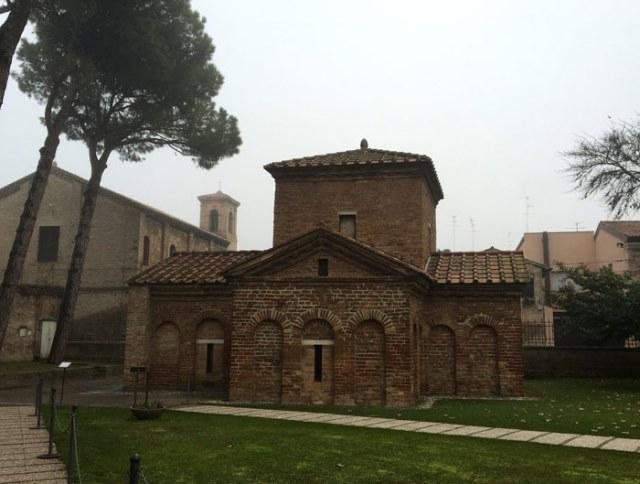 Il Mausoleo di Galla Placidia a Ravenna ci ha lasciato i più antichi mosaici romani integri