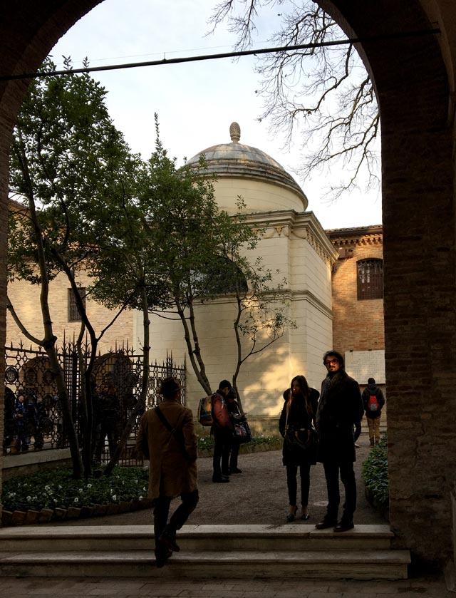 Ravenna è conosciuta per la Tomba di Dante, che qui visse e morì nel 1321