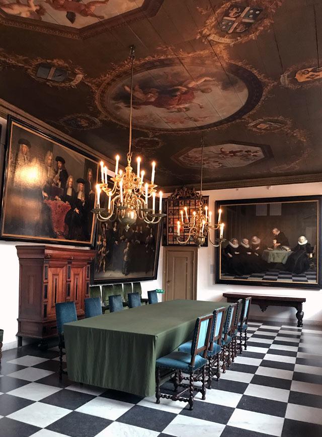 L'Amsterdam Museum è perfetto per cominciare la visita alla città