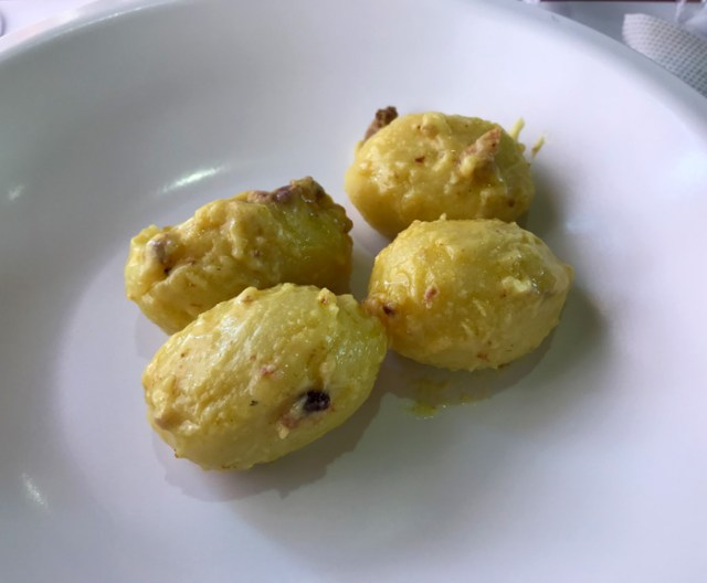Sul Treno dei Sapori puoi assaggiare un ottimo pranzo cucinato con prodotti locali
