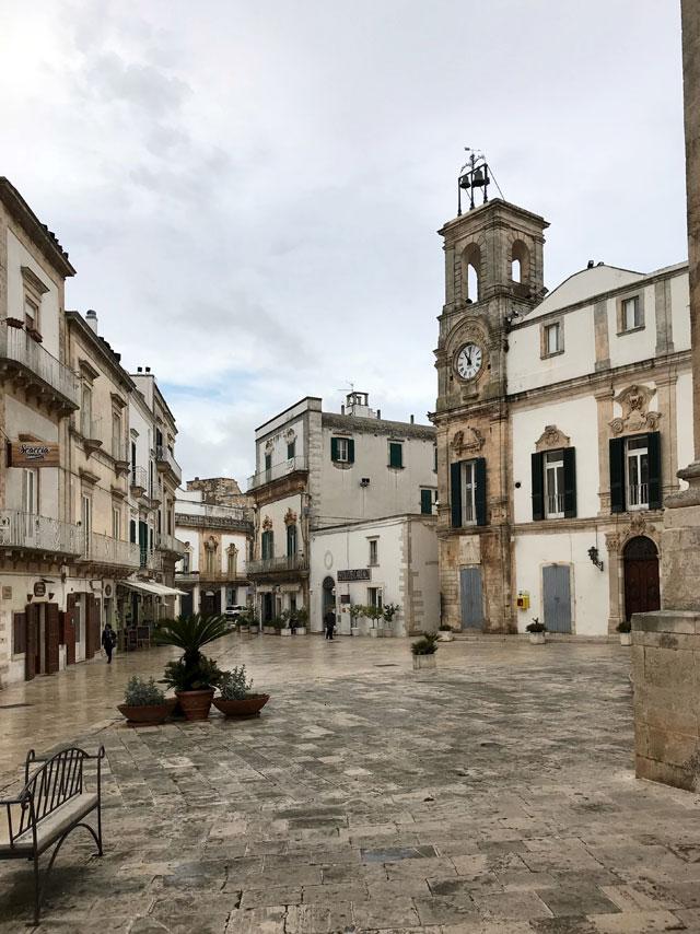 Piazza Plebiscito è il cuore di Martina Franca, meravigliosa cittadina barocca della Puglia