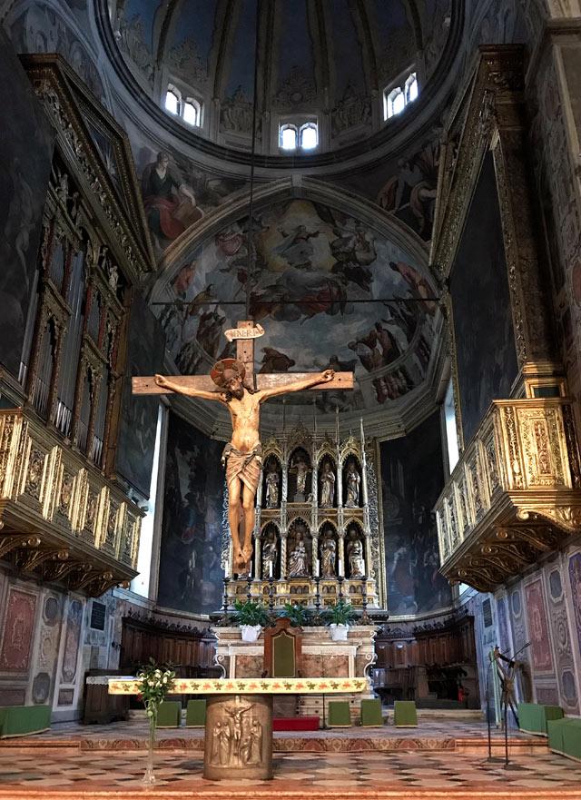 Il Duomo è da vedere a Salò: è una gemma del '400 del Lago di Garda