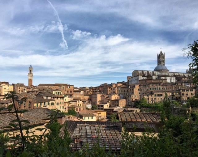 Visitare Siena è meraviglioso solo per il fascino delle vie e i panorami