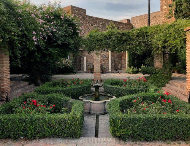 L'Alcazaba è una delle cose da vedere a Malaga in un viaggio in Andalusia
