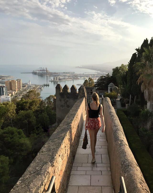 Il Castillo de Gibralfaro è una fortezza araba che domina Malaga e regala viste stupende