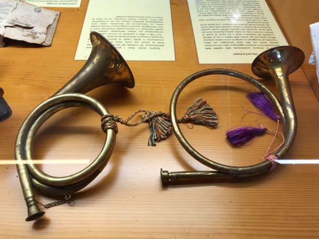 I corni simbolo della posta sono stati introdotti dalla famiglia Tasso