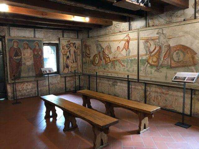 Palazzo Grataroli e la Camera Picta sono il simbolo del borgo di Oneta