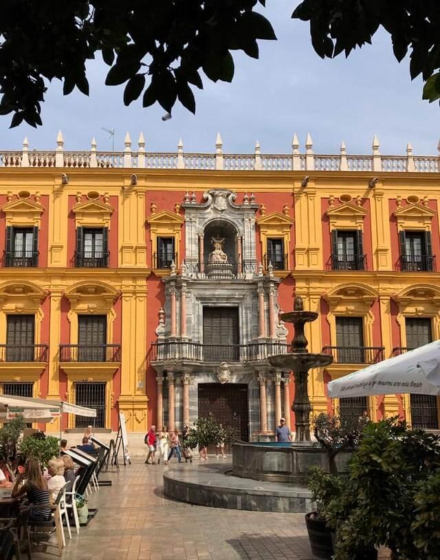 Plaza del Obispo è una delle piazze più belle di Malaga in Andalusia