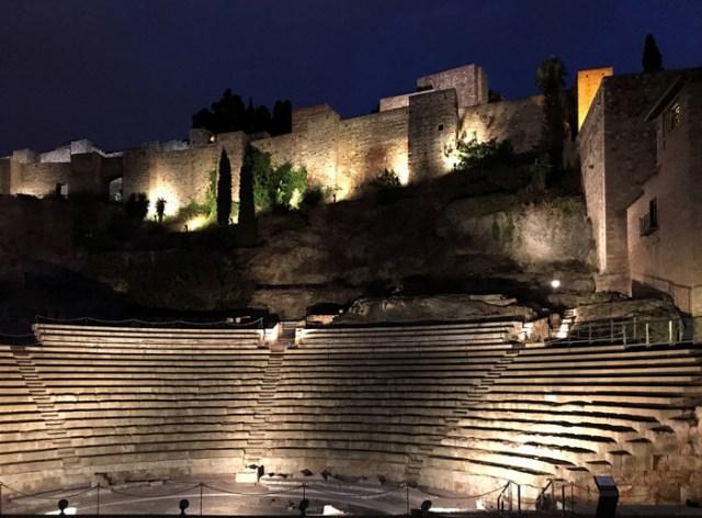 L'Alcazaba e il Teatro Romano di Malaga di notte hanno ancora più fascino