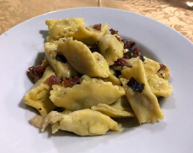 La Trattoria Camozzi è il posto dove mangiare a Cornello dei Tasso