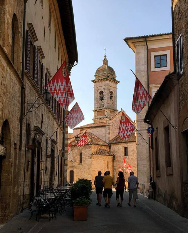 La gemma da vedere a San Quirico d'Orcia è la Collegiatadei Santi Quirico e Giulitta