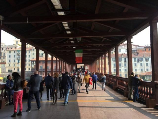 Il Ponte degli Alpini è il simbolo di Bassano del Grappa in Veneto