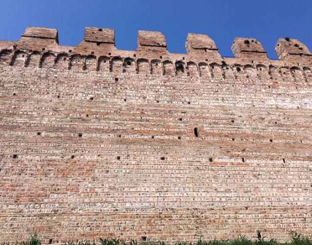 Le mura di Cittadella in mattoni sono da vedere e percorrere le mura in mtto