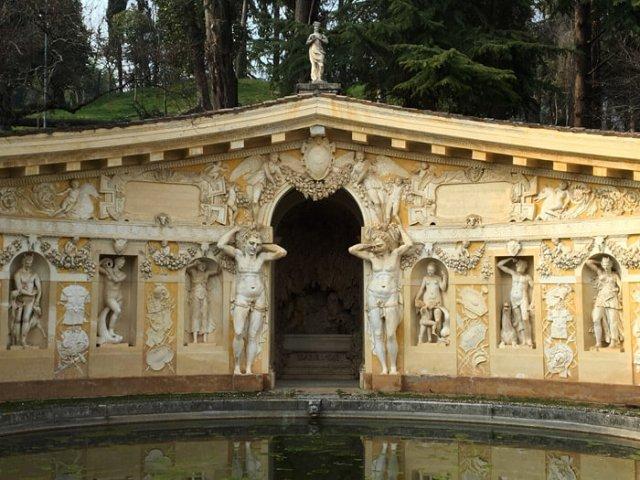 Villa Barbaro a Maser in Veneto è una villa palladiana con affreschi del Veronese