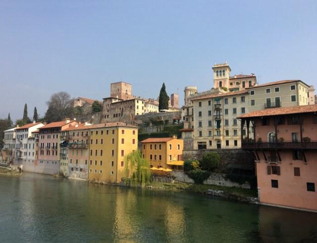 Il Ponte degli Alpini regala una splendida foto di Bassano del Grappa