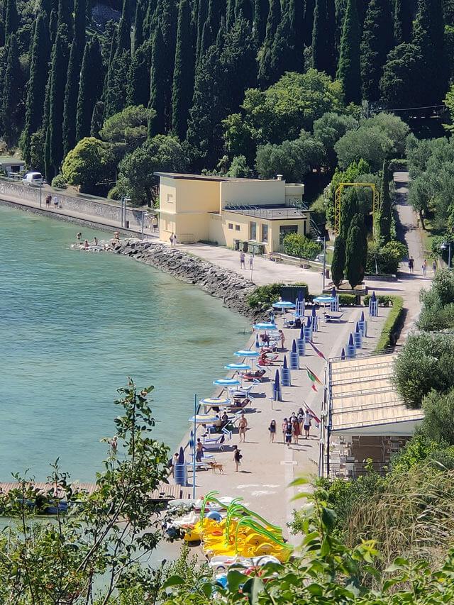 Il Lido delle Bionde è la spiaggia di Sirmione sul Lago di Garda per famiglie