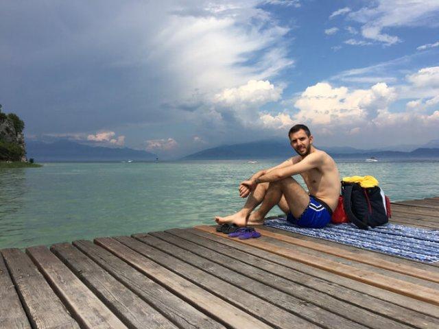 Simone Colombo @srake al Lido delle Bionde, spiaggia di Sirmione sul Lago di Garda
