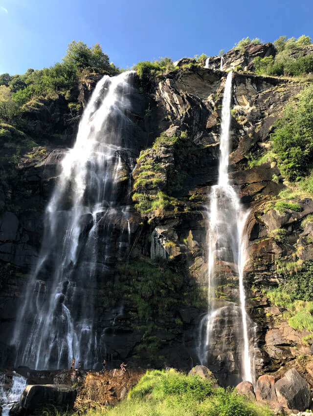 Le cascate dell'Acquafraggia sono il simbolo della Valchiavenna: imperdibili